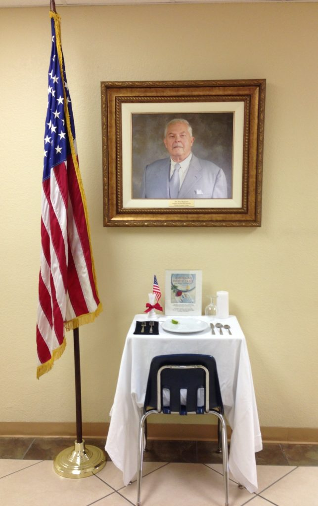 FNU's White Table honors Veterans