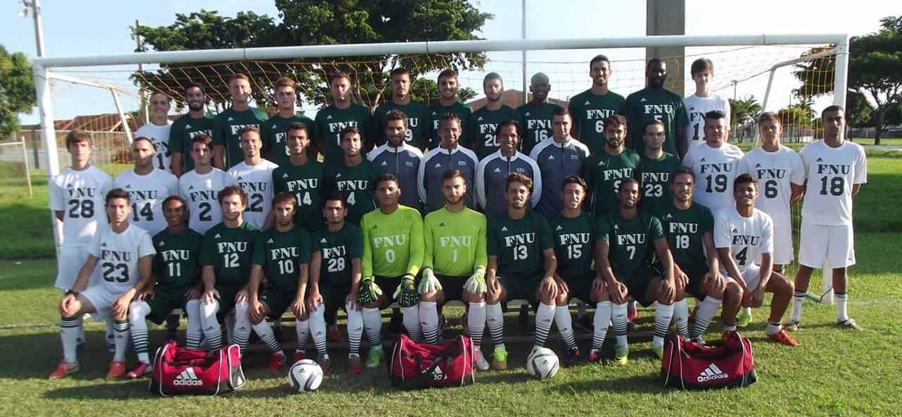 Men's Soccer team-picture_2016