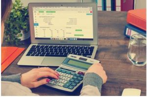 Pursuing a Career in Accounting? 4 Things to Keep in Mind