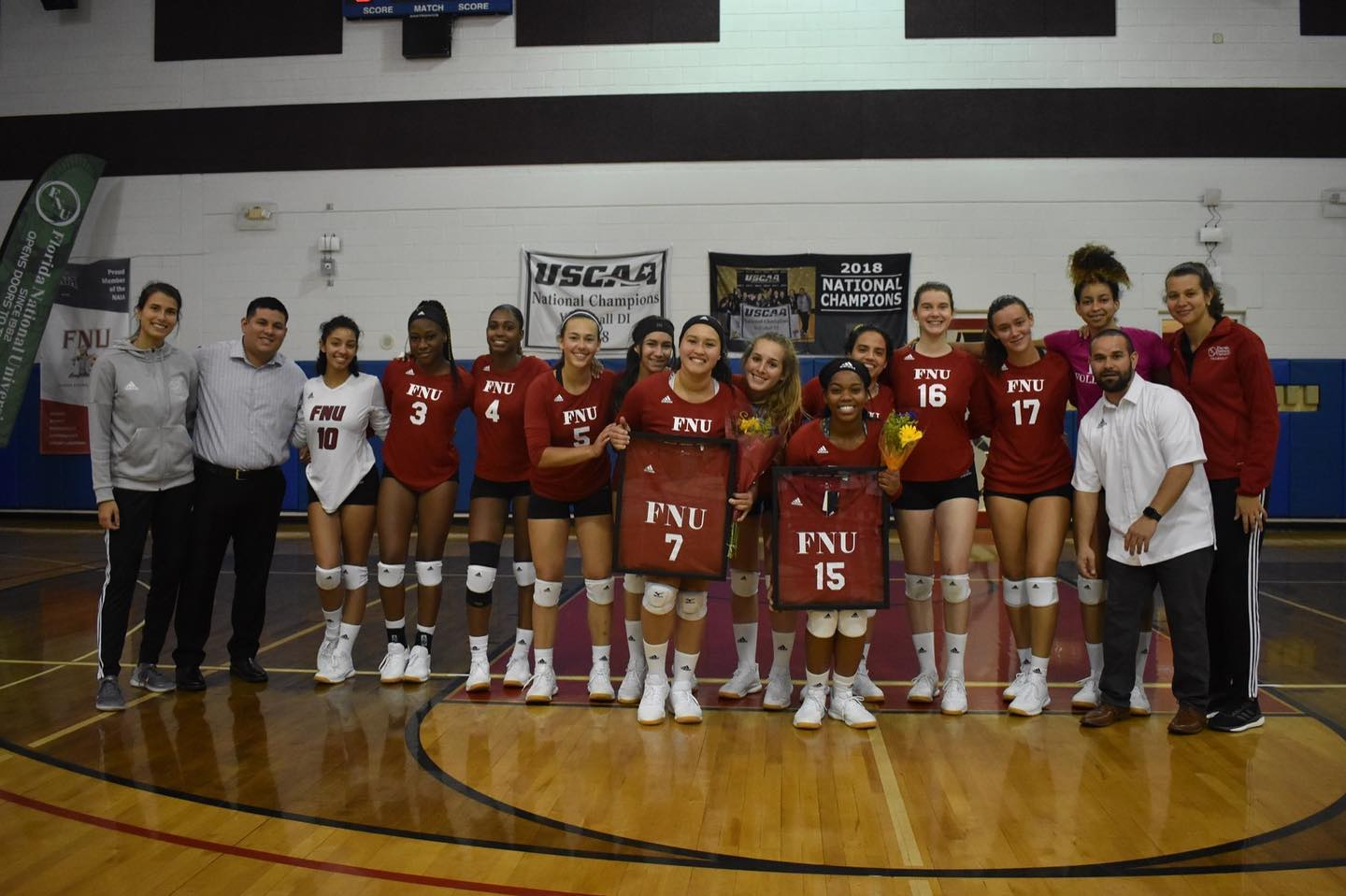 FNU Women's Volleyball Senior Night team Picture