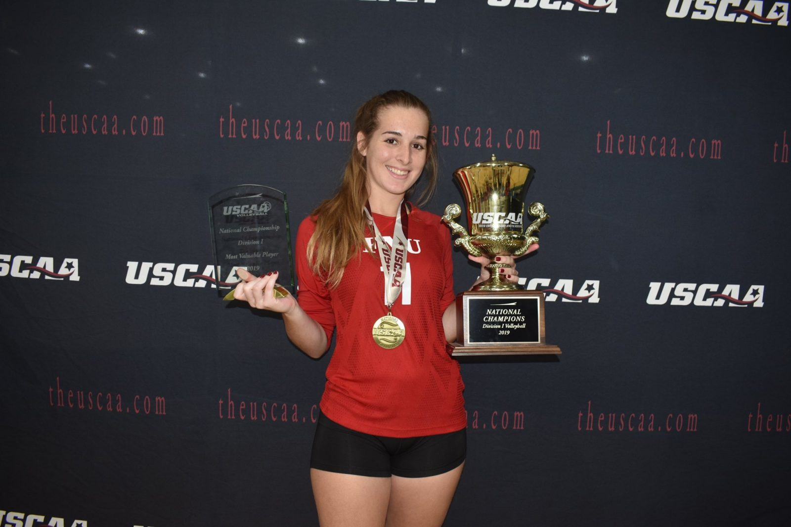 Carolina Dantas Volleyball player with the awards received